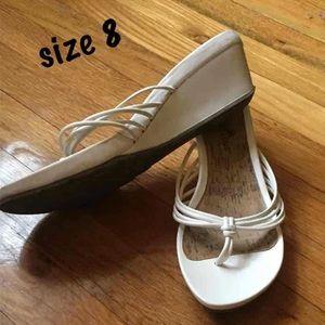 Woman's sandals 8